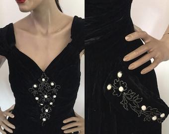 Vintage 1940s Charmont Model Black Velvet Beaded Evening Gown with Sweetheart Neckline, Deep V Plunge Back & Extraordinary Pocket Details