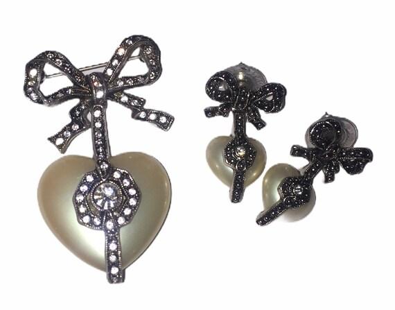 Vintage Joan Rivers MOP Heart Brooch And Earrings