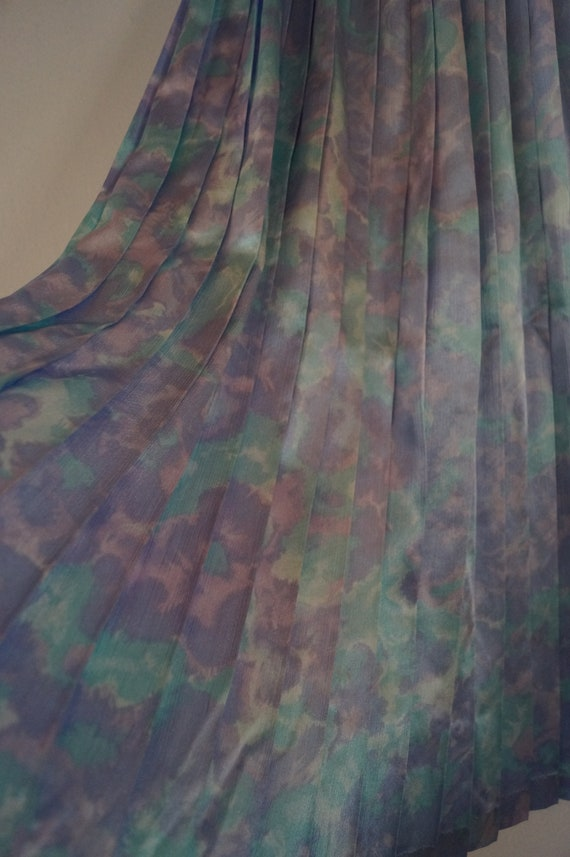 Dreamy Vintage Silky Pastel Pleated Skirt Small/M… - image 5