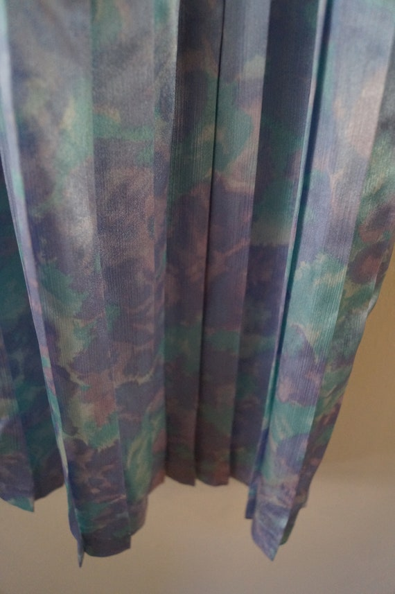 Dreamy Vintage Silky Pastel Pleated Skirt Small/M… - image 8