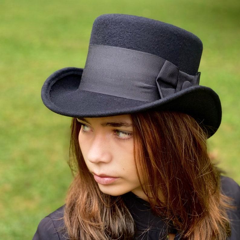 Victorian Hat History | Bonnets, Hats, Caps 1830-1890s Top hat black felt man woman top hat race top hat victorian top hat edwardian black top hat topper hat John Bull top hat mad hatter $111.75 AT vintagedancer.com