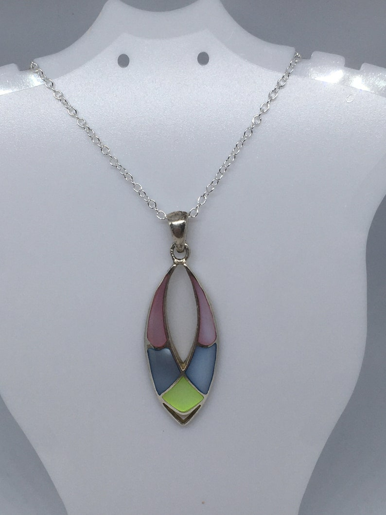 Mother of Pearl Vintage Sterling Silver 925 Oval Drop Beautiful Pendant Necklace