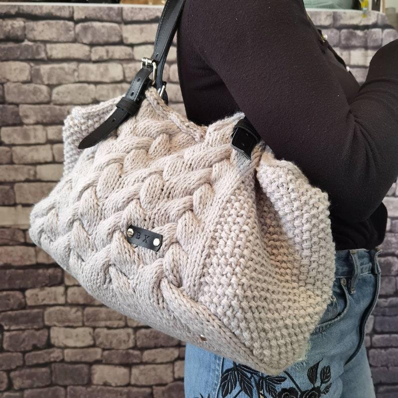 gray women/'s handbag Knit Handbag shopping bag,Handwoven wool women/'s handbag with leather handles gray /& black Bohemian shoulder bag