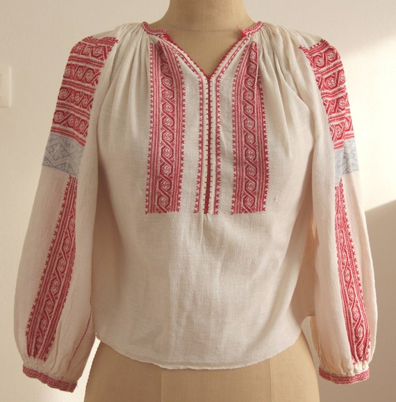 Romanian vintage hand-embroidered blouse from Olte