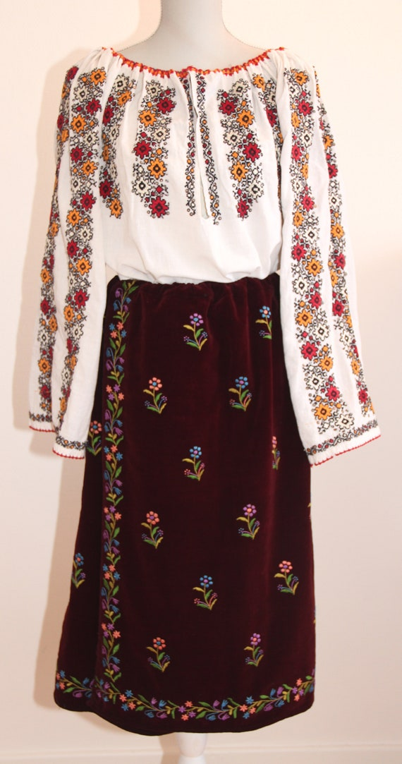 Vintage traditional Romanian blouse with velvet wr