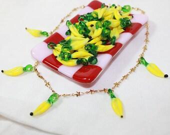 2 resin pendant banana 42 x 18 mm
