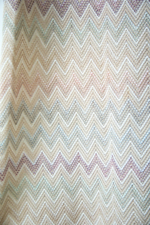 1970s Pastel Chevron Knit Dress - image 4