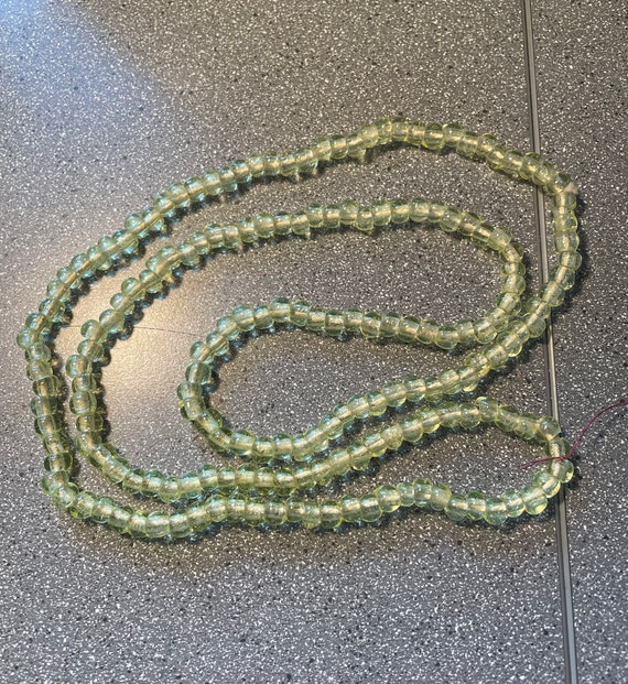"""Necklace 44"""" of chartreuse beads - image 1"""