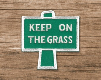 Keep On The Grass Patch Embroidered Marijuana vanner hippie biker vest jacket