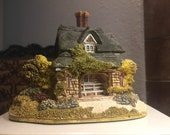 Lilliput Lane Collectible Oak Cottage - with Deed and Original Box