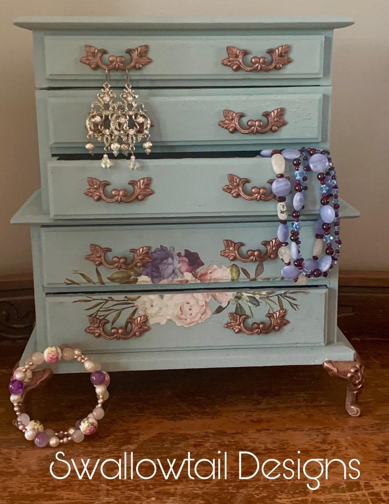 Ella the Jewelry Box