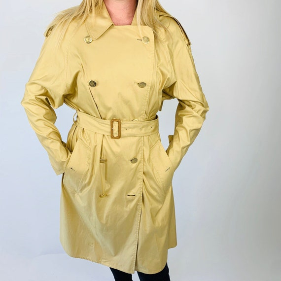 Burberry Trench. Vintage burberry Trench jacket.