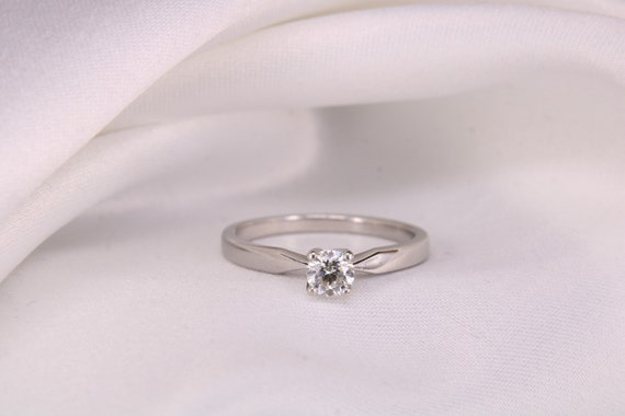 Solitaire Diamond Engagement Ring, Round Brilliant