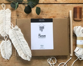 DIY Macrame Feather Kit, Three Feathers Wall Hanging. Natural Cotton, Perfect Begineer Macrame Project