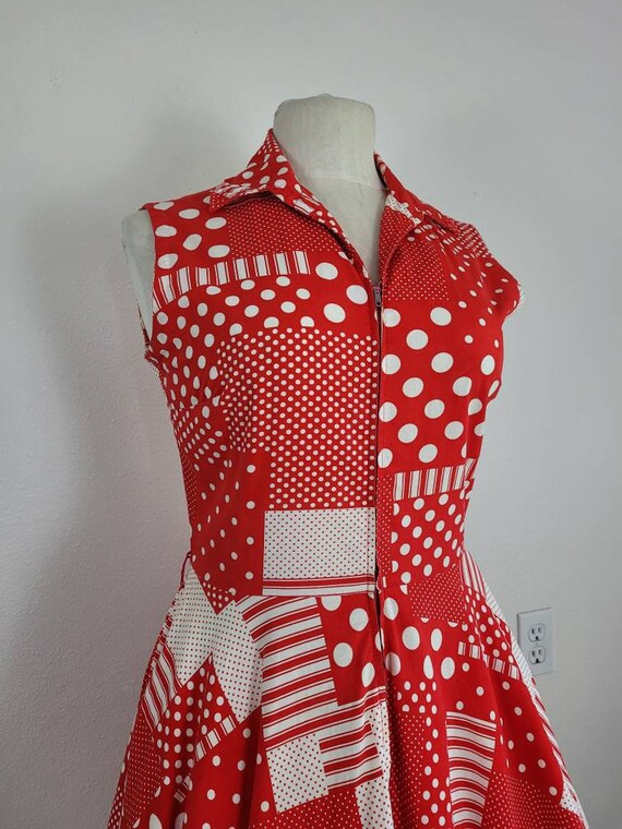 """1960s """"Pack The Basket"""" Red & White Patchwork Pri… - image 1"""