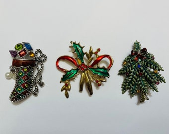 Lot Of Vintage Christmas Brooches