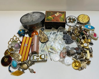 Large Lot Of Vintage Items (Mix)