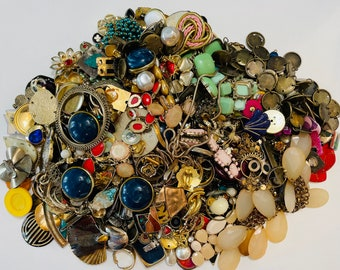 Large Lot Of Crafting Jewelry (Gold Tone Mix) 2.395 KGS