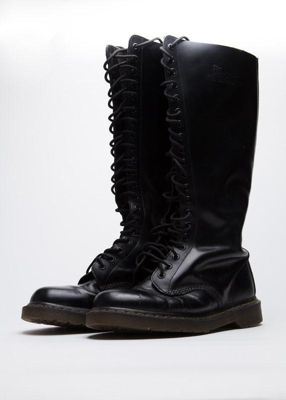 Dr. Martens Unisex Shoes in Black