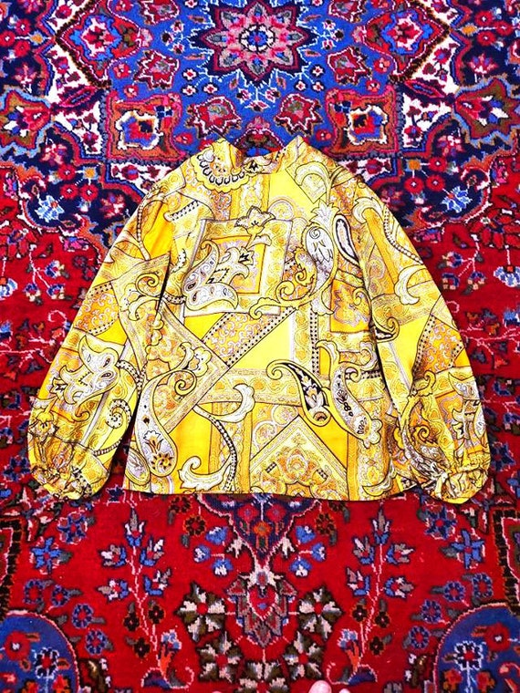 Vintage 60s Yellow Psychedelic Paisley Mock Neck L