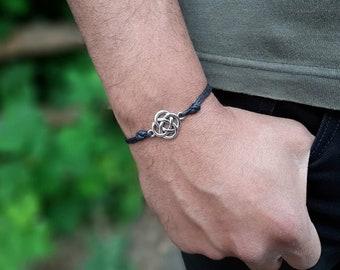 Celtic Inspired Floating Beaded Bracelet ~ St Patrick/'s Day Bracelet ~ Floating Bracelet ~ Dara Knot Bracelet ~ Eternity Knot Bracelet