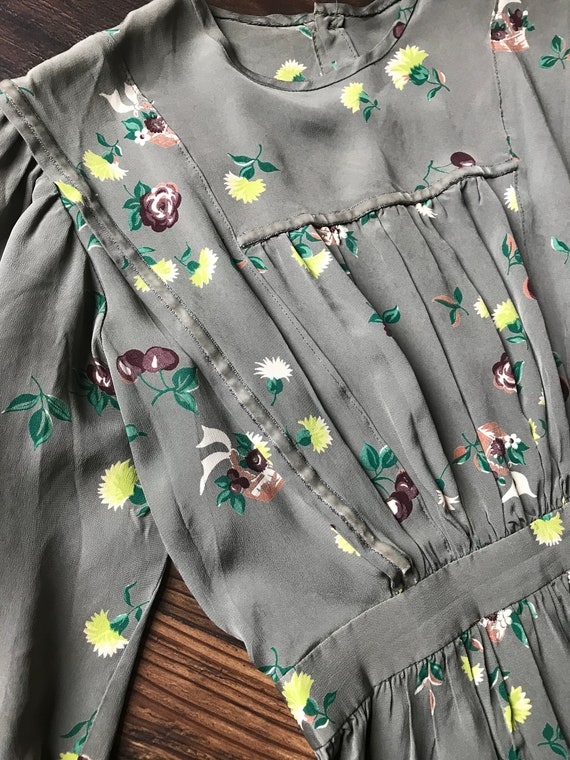1940s Novelty Print Floral + Cherry Cold Rayon Dr… - image 4