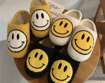 Happy face Slippers / Personalized Shoe Dust Bag / Indoor Slippers / Personalized gift / Smile Patch/ embroidery smiley