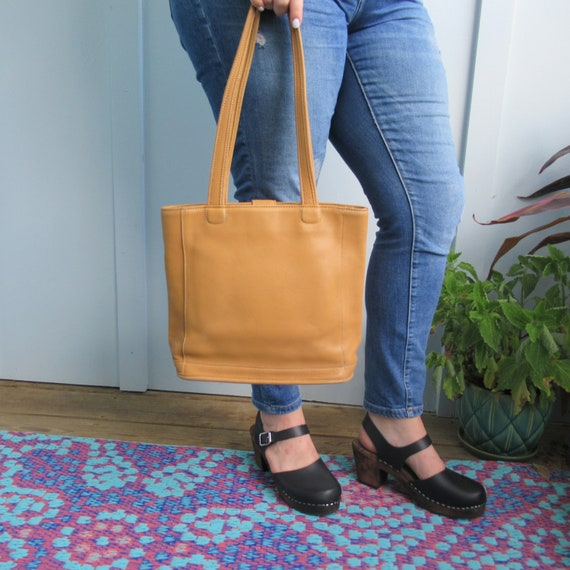 Vintage Coach // Bleeker Tote // Golden Yellow Tan