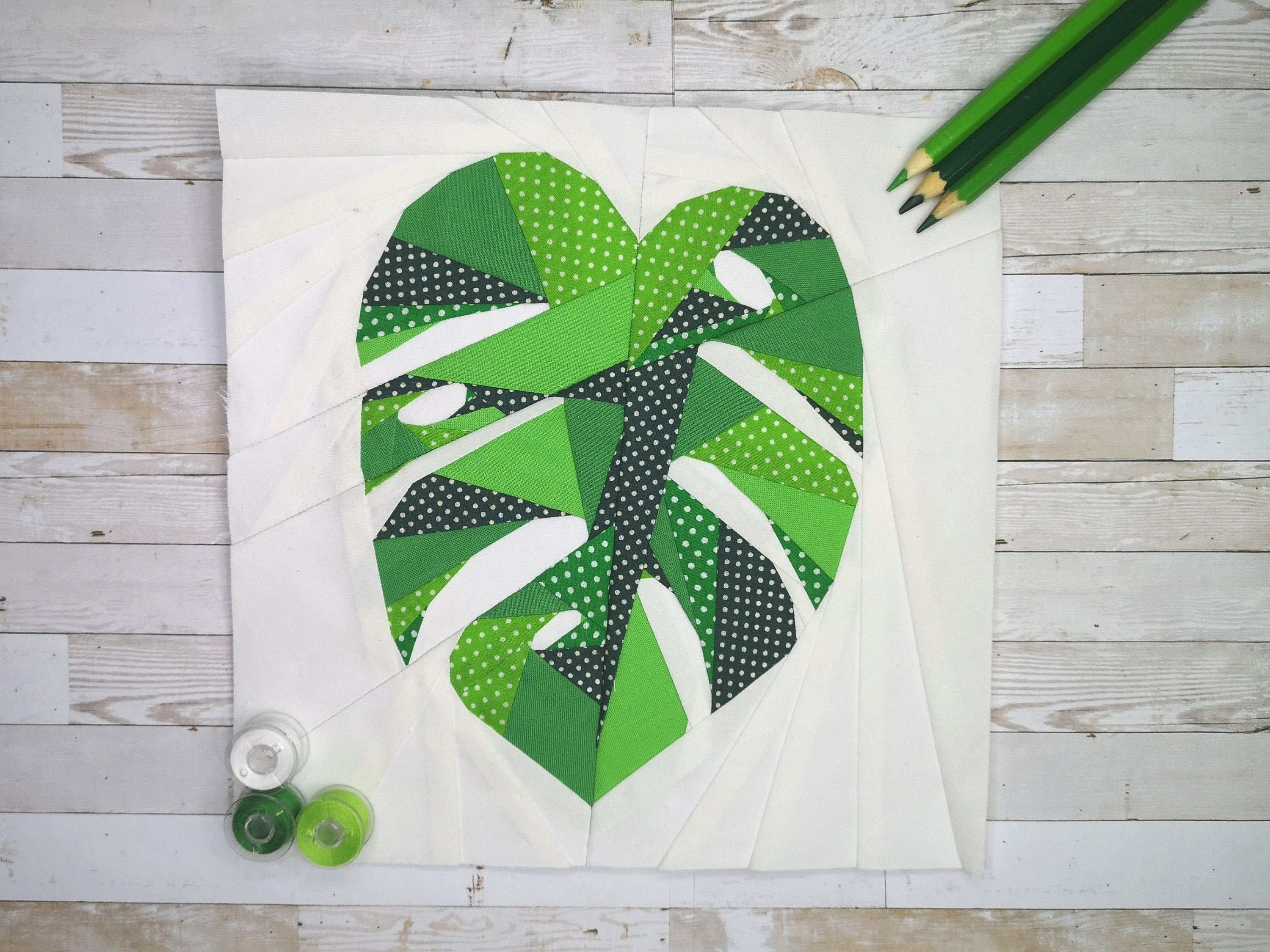 Tropical Leaf Travellers Palm PDF Pattern Quilt Block Foundation Paper Piecing Pattern 4 sizes FPP