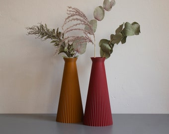 """3D Printed """"SAKURA"""" vase for dried flowers made from biodegradable PLA - geometric, modern design in various colours"""
