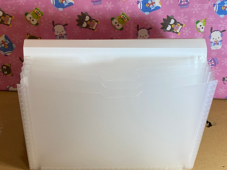 New Collection For 2020 AUTHENTIC New Condition Sanrio Original Characters Pocket Folder Organizer With 5 Divider