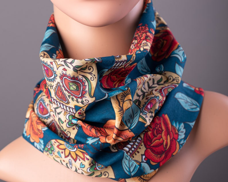 Face Mask with Day of the Dead Print Sugar Skull Bandana image 0