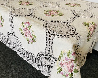 A&MT 100% Cotton Handmade Crochet Lace with Embroidered Floral Ribbon Linen Tablecloths - Beige