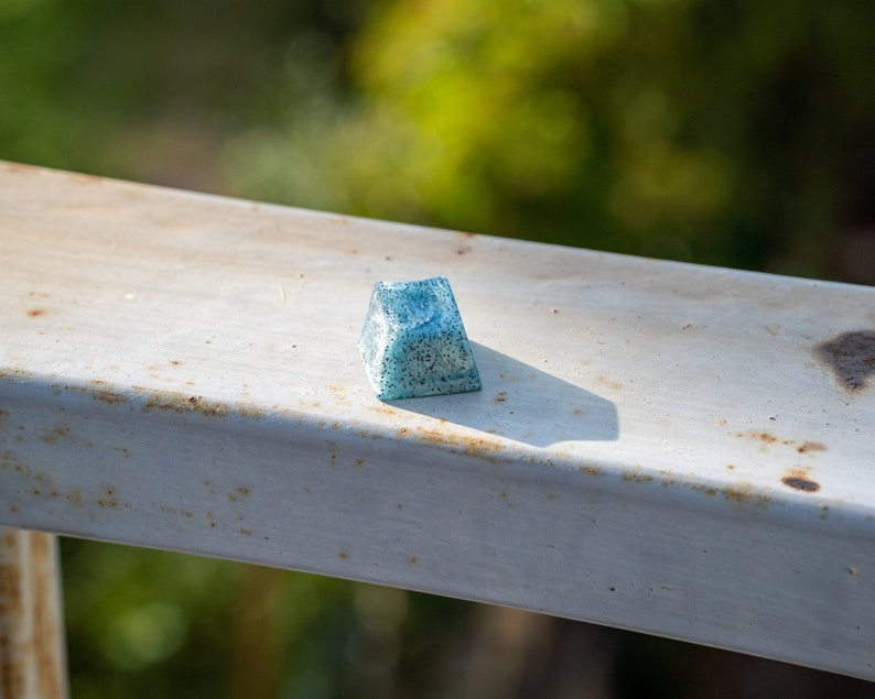 Kiwi Keycap Blue