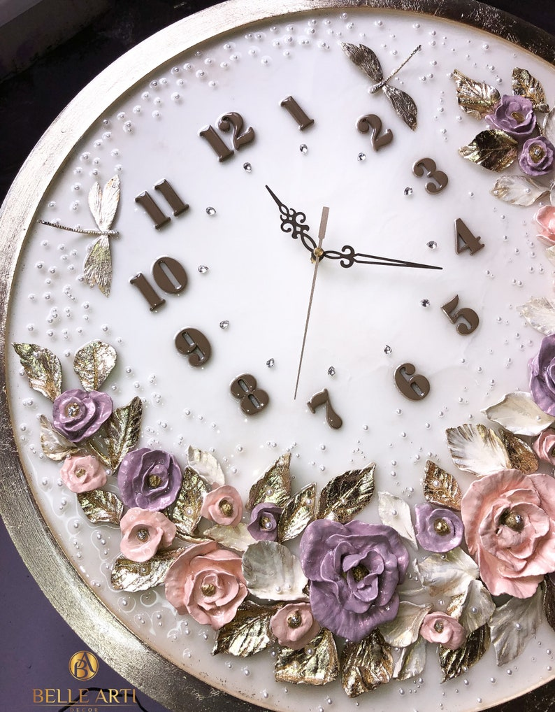 Horloge murale - Horloge beige - Horloge murale de fleur - Horloge moderne - Horloge de mur de maison - Horloge de fleur- Magnolia - Pièce d'art -Horloge d'époxy - Exclusif