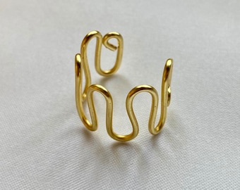 Gold Wavy Ring / Ripple Ring / Wavy Ring / Gold Squiggle Ring / Gold Wire Ring / Statement Ring / Chunky Gold Ring / Adjustable Gold Ring