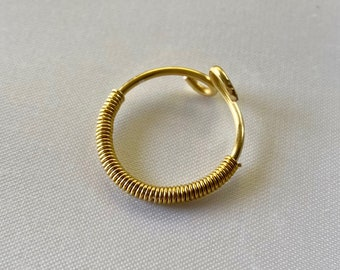 Gold Wire Wrap Ring / Dainty Gold Ring / Gold Wire Ring / Wire Wrap Ring / Stacking Ring / Gold Ring / Gold Band Ring / Gold Jewelry