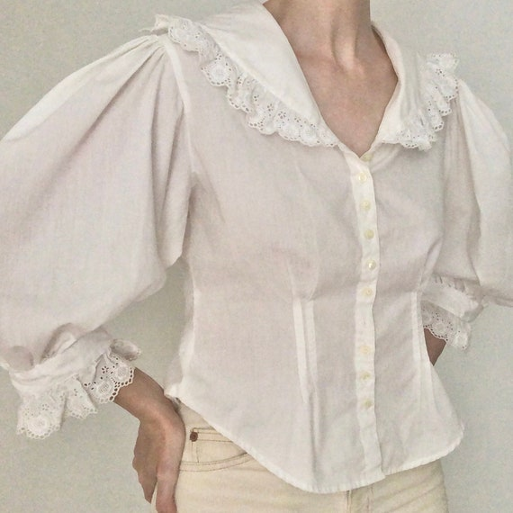 Stunning RARE 80s big huge lace collar blouse eye… - image 1