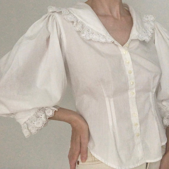 Stunning RARE 80s big huge lace collar blouse eye… - image 6
