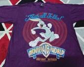 Vintage Bug bunny movie world cartoon t shirt