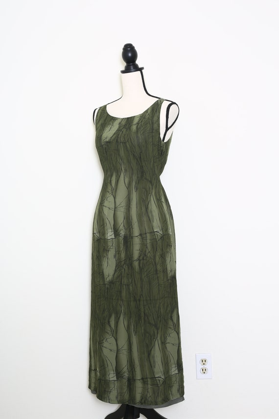 Elegant Green Dress - image 3