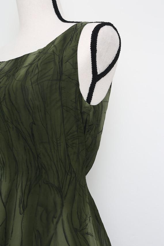 Elegant Green Dress - image 7
