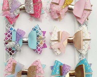 Kawaii pink polka dot grosgrain bow with glittery resin bunny head charm