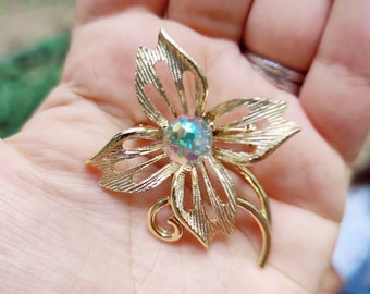Vintage Lily Style Brooch | Antique Brooch | Simple Design and Style | Occasion Brooch | Wedding & Engagement Brooch | Gift for Her