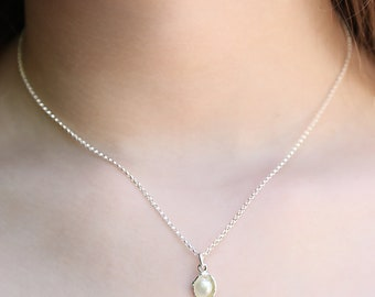 Oyster Pearl Pendant - sterling silver