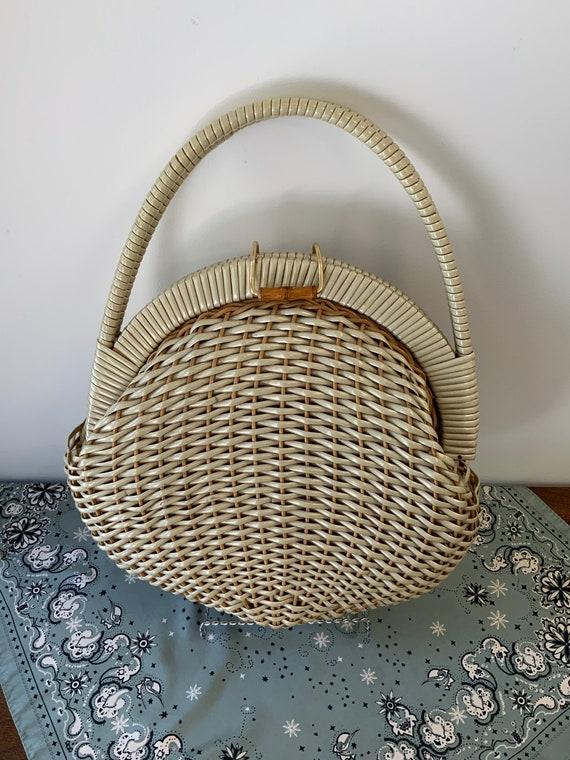 Vintage 1950's Cream/Tan Ovular Wicker Bag