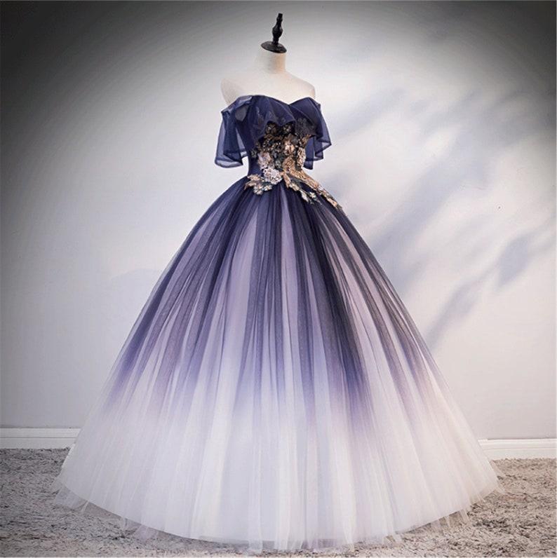 Der Farbverlauf der lila Quinceanera Kleid geschwollenen ...