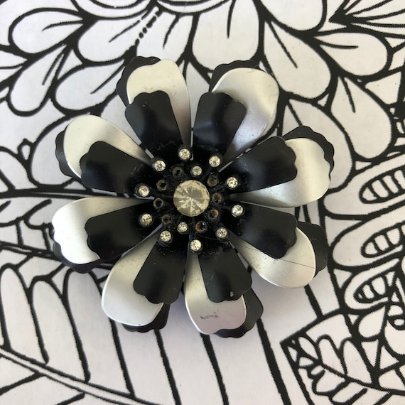 Vintage huge enamel flower brooch pin 1960s, flowe