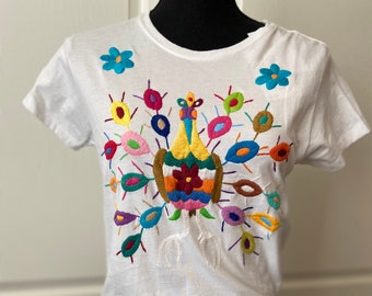Mexican hand embroidered cotton t Size MEDIUM shirt 6US