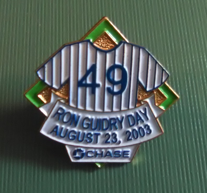 2003 New York Yankees lapel pin Chase  #49 2003 Ron Guidry Day August 23